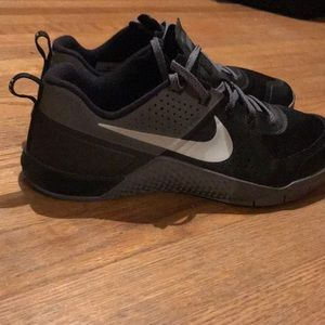 Nike Shoes - Nike metcon 2